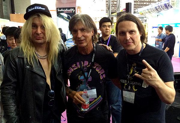 Edu Ardanuy Rob Marcello guitarrista da banda Danger Danger e Geoge Lynch da banda Dokken
