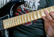 como conectar arpejos e escalas na guitarra improvisacao