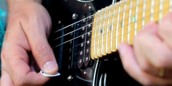 palhetada alternada para guitarra