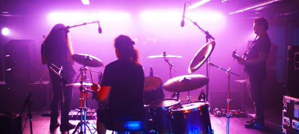 Edu Ardanuy show solo com Felipe Andreoli e Marcell Cardoso